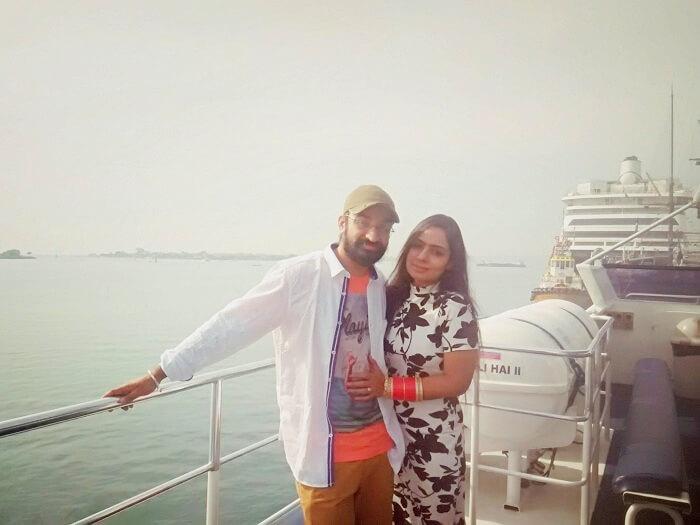 Couple cruise in Bali