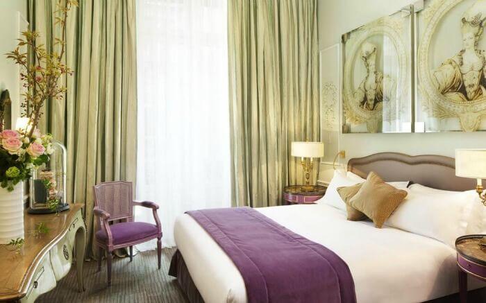 Hotel room in La Maison Favart