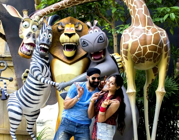gurpreet posing for a picture in universal studios