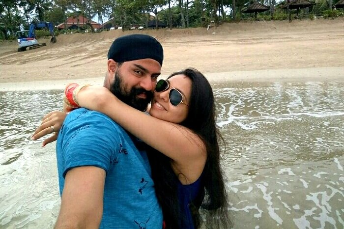 gurpreet and his wife in denpasar