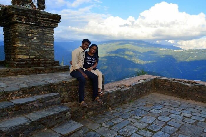 couple on a trip to pelling