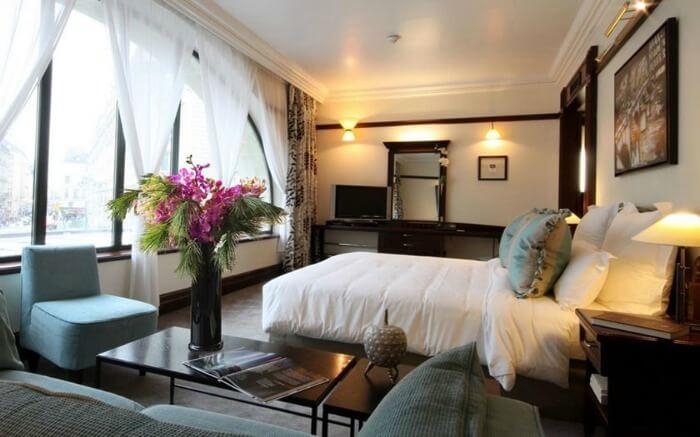 Room in Hotel Pont Royal