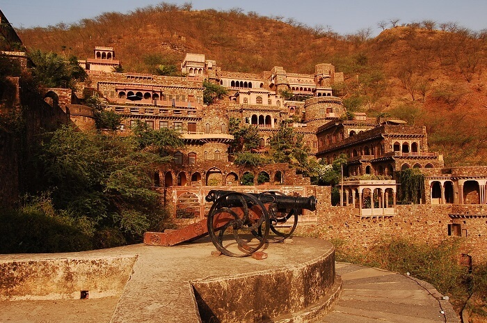things to do neemrana palace