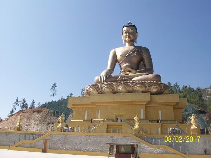 statues in bhutan