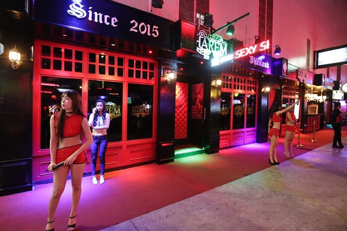 Harem A Go Go Bar in Patong