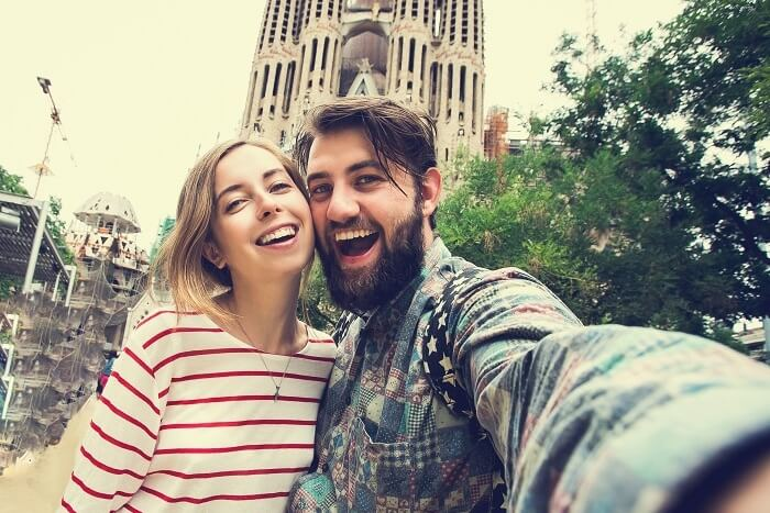 happy honeymooning couple in Barcelona