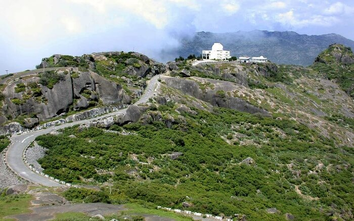 A temple at the top of Guru Shikhar