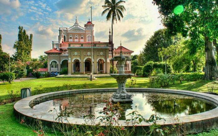 Facade of Aga Khan Palace in Pune