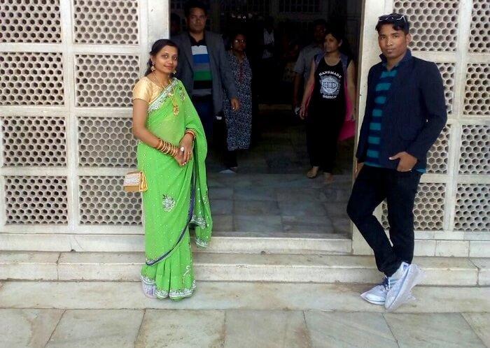 visiting the inner gumbaz of Taj Mahal