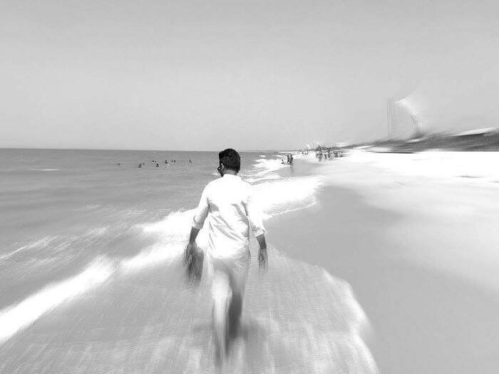 man sri lanka beach