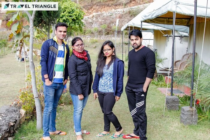 camping with friends in rishikesh