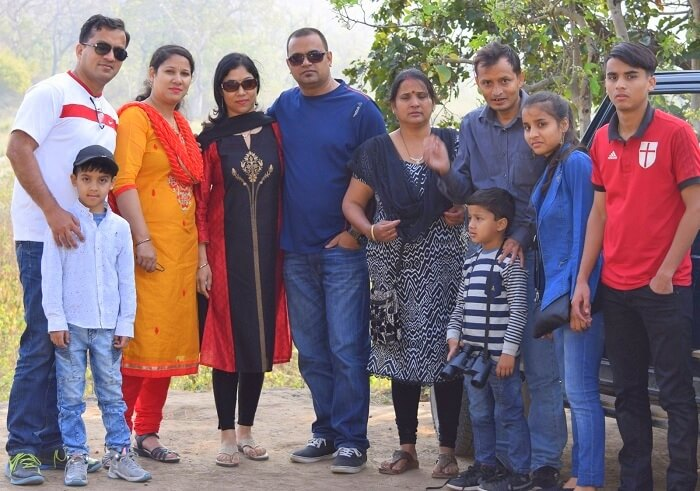 family on a weekend trip to jim corbett