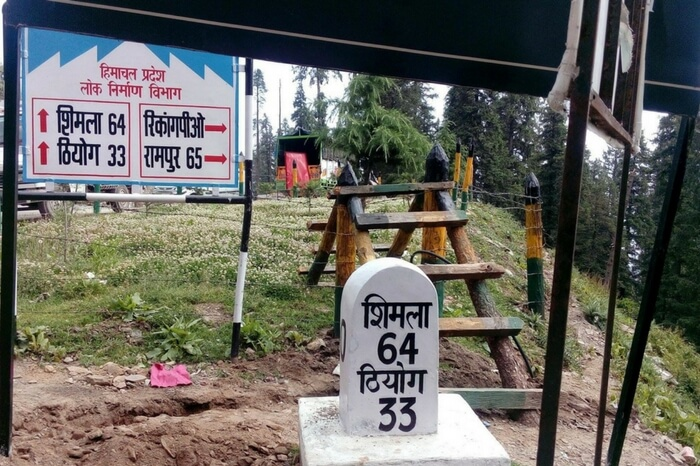 Milestone reflecting the remaining distance to Shimla