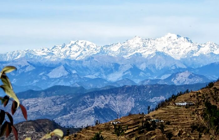 Snow capped mountains of Garhwal range overlooking Kanatal