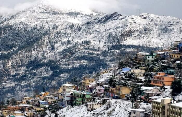 Wonderful view of snow-covered Pauri Garhwal near Rishikesh