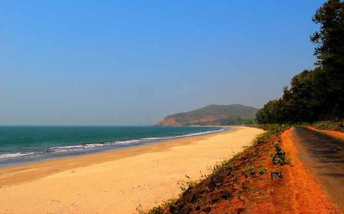 extended shoreline of Ganpatipule Beach