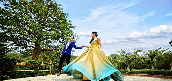 pre wedding shoot at the garden of five senses in delhi