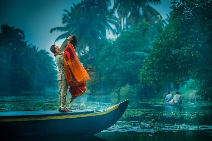 pre wedding shoot in kumarakom