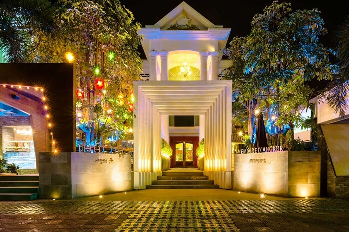 The entrance of the Memoire D 'Angkor Boutique Hotel in Siem Reap