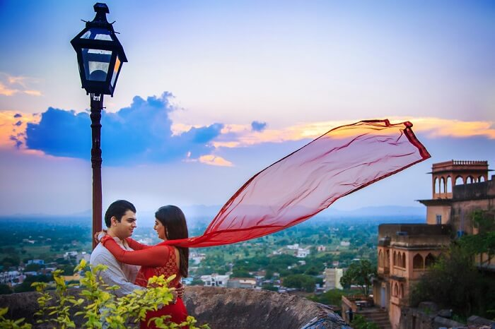 pre wedding shoot at the neemrana fort palace