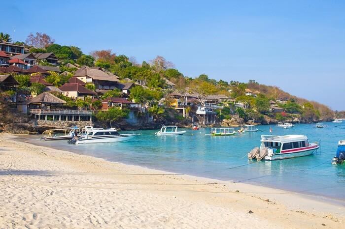 Coastline of Lembongan island near Bali