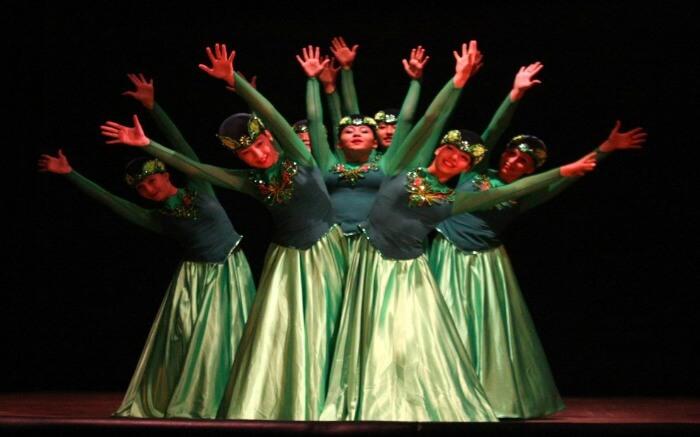 women dancing in summer festivals in Shimla