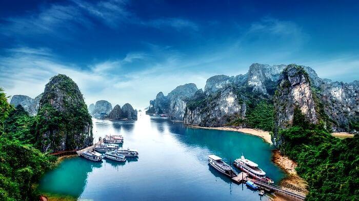boating in Vietnam