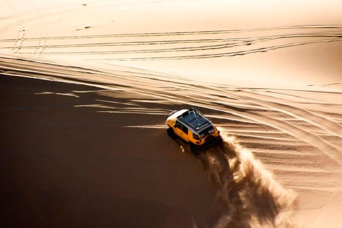touring mongolia desert