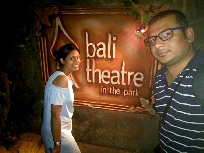 Theatre in the park, Bali