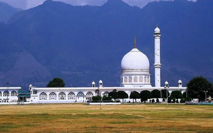A beautiful view of Hazratbal Mosque in Srinagar town in Kashmir