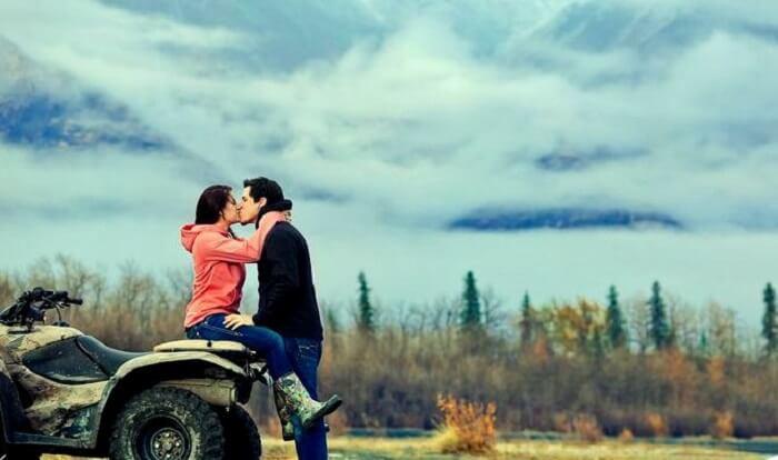 Couple on honeymoon in homer
