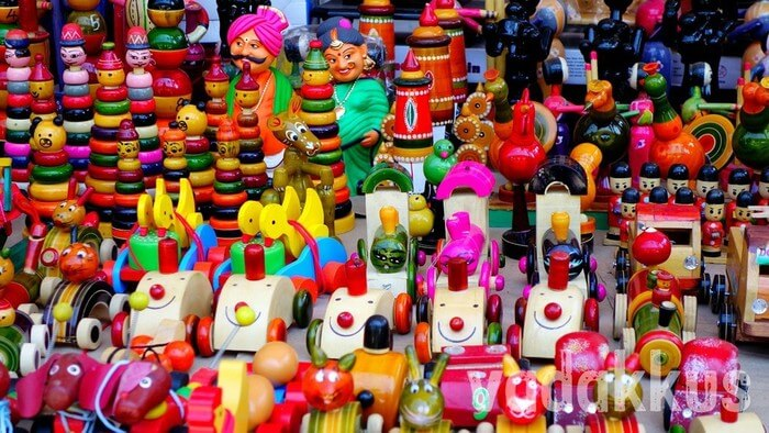 Colorful toys in Channapatna
