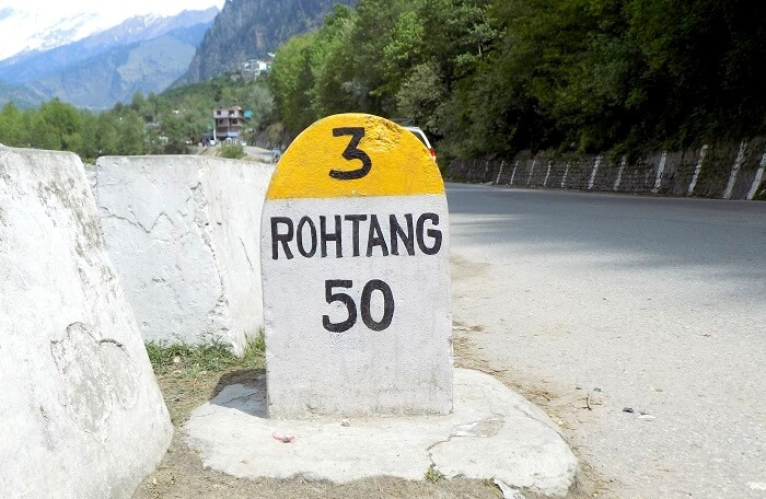 enroute solang valley