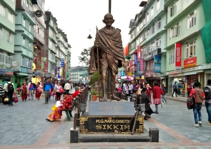 mg road market in sikkim
