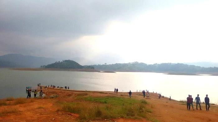 meghalaya lake scenery
