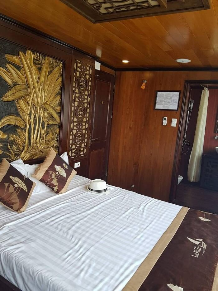 room on the cruise to halong bay