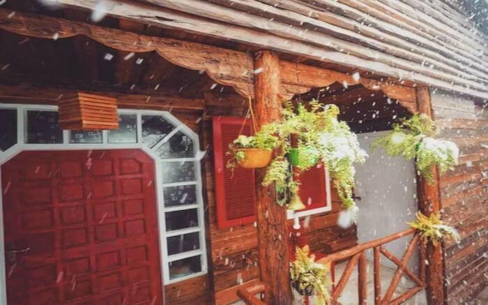 Snowfall views of MeenaBagh Resorts Shimla