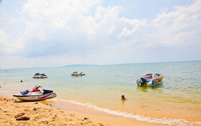 boats at Dongtan beach in Pattaya