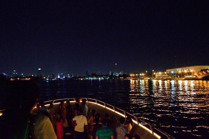 bangkok river cruise at night