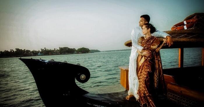 married couple houseboat kerala