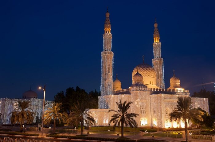 A night shot of the beautifully lit Jumeirah Mosque in Dubai
