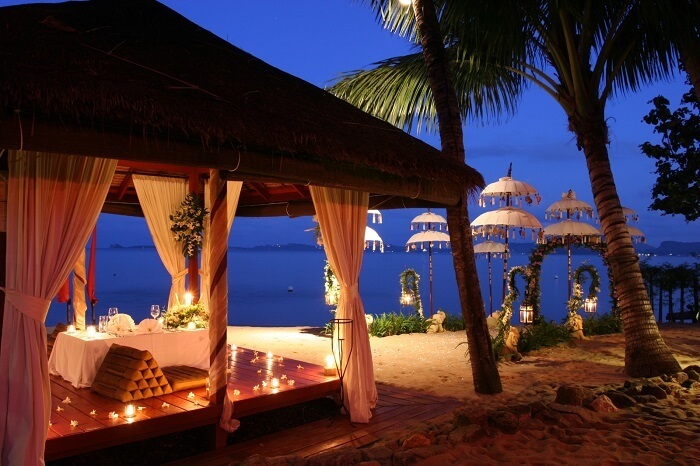The beachside dining at the Zazen Resort in Koh Samui