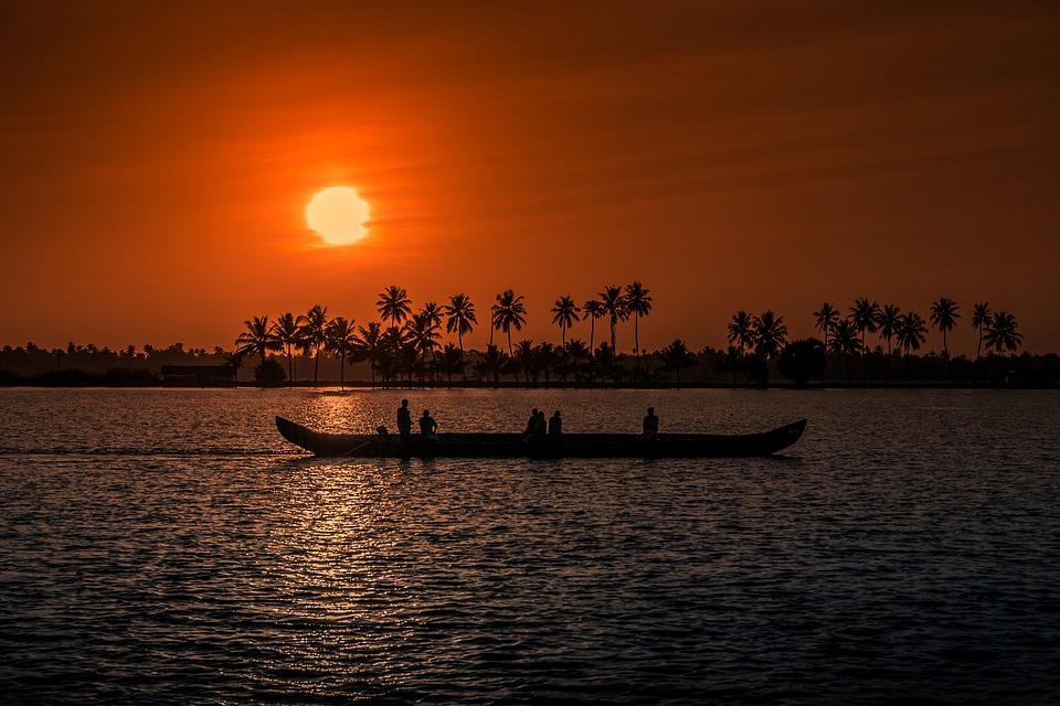 Sunset cruise in Kovalam