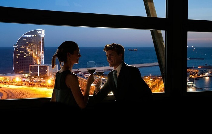 couple in romantic restaurant barcelona