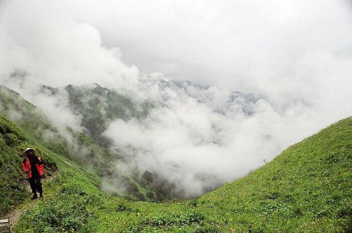 Dayara Bugyal Trek, India