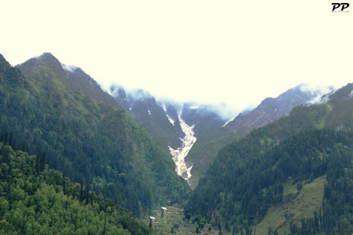 mountain valley view in Manali