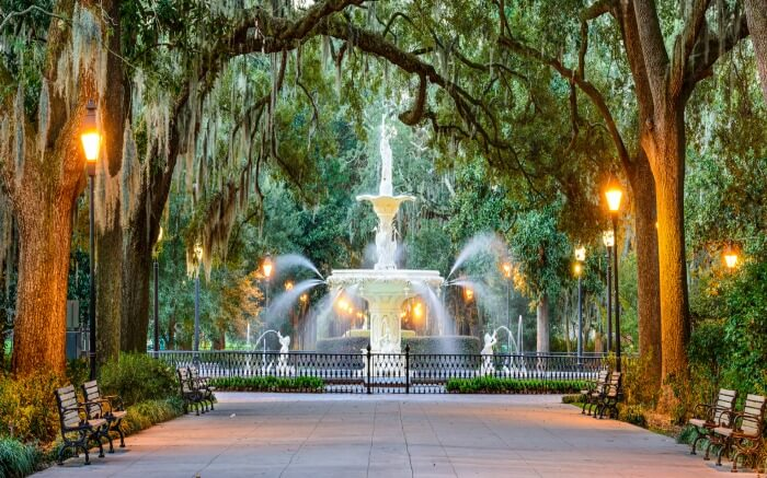 A fountain in the park in Savannah in Georgia