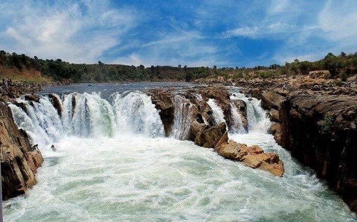 Beautiful waterfall in Jabalpur
