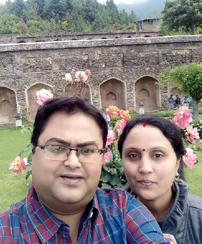 rakesh and his wife enjoy their holiday in srinagar