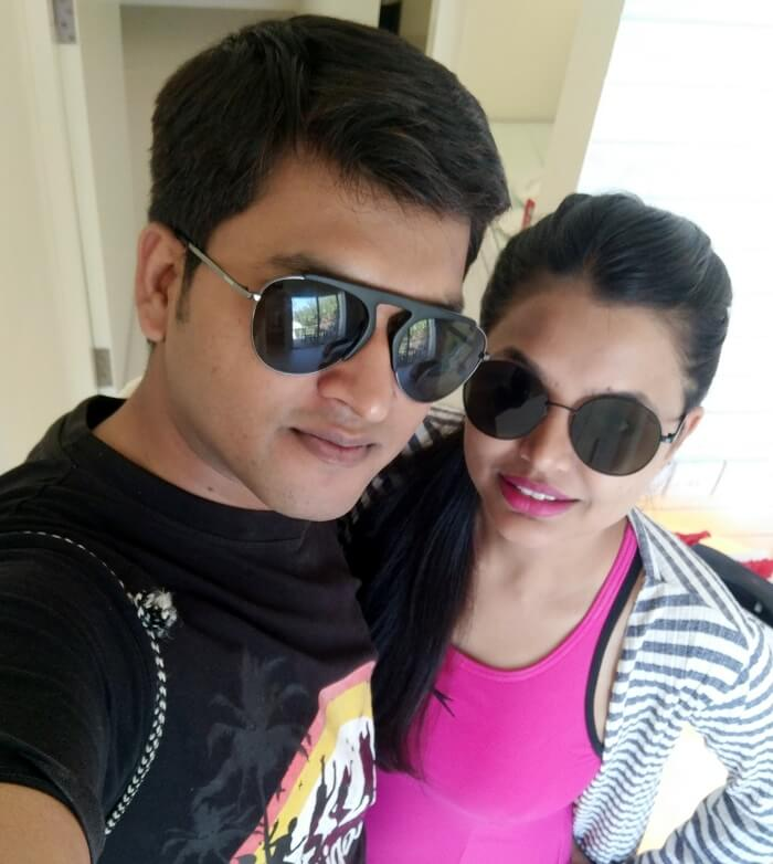 couple on honeymoon in maldives